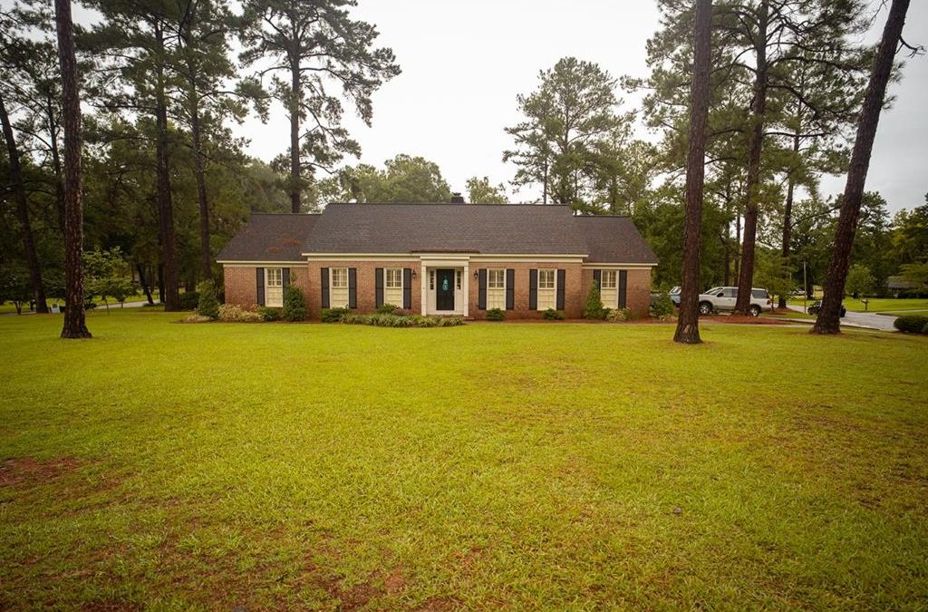 Dougherty County – Beautiful 4 BD 2 BA Home